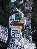 Totem Pole, Stanley Park, Vancouver, British Columbia, Canada Photographic Print by J Lightfoot