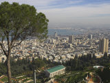 Elevated View of City and Bay from Mount Carmel, Haifa, Israel, Middle East Lmina fotogrfica por Eitan Simanor