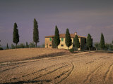 Farmhouse in Rural Tuscany, Italy Photographic Print by Roy Rainford