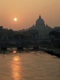 River Tiber and the Vatican, Rome, Lazio, Italy Fotografisk tryk af Roy Rainford