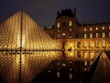Musee Du Louvre and Pyramide, Paris, France Reprodukcja zdjęcia autor Roy Rainford