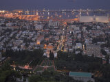 City at Dusk, with Bahai Shrine in Foreground, from Mount Carmel, Haifa, Israel, Middle East Lmina fotogrfica por Eitan Simanor