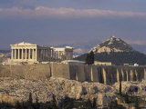 The Acropolis, Unesco World Heritage Site, and Lykabettos Hill, Athens, Greece Lámina fotográfica por Roy Rainford