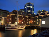 Old Port at Dusk, Halifax, Nova Scotia, Canada Lmina fotogrfica por Eitan Simanor