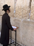 Praying at the Western (Wailing) Wall, Old Walled City, Jerusalem, Israel, Middle East Fotografie-Druck von Christian Kober