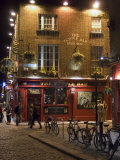 The Temple Bar Pub, Temple Bar, Dublin, County Dublin, Republic of Ireland (Eire) Lámina fotográfica por Sergio Pitamitz