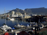 The Victoria and Alfred Waterfront, Cape Town, South Africa, Africa Lámina fotográfica por Yadid Levy