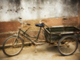 Bicycle, Huangshan City (Tunxi), Anhui Province, China Photographic Print by Jochen Schlenker