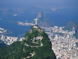 Rio De Janeiro with the Cristo Redentor in the Foreground and the Pao De Acucar in the Background Fotografiskt tryck av Marco Simoni