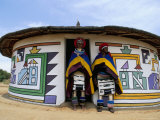 Nbelle (Ndbele) Ladies Outside House, Mabhoko (Weltevre) Nbelle Village, South Africa, Africa Photographie par Jane Sweeney