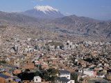View Across City from El Alto, with Illimani Volcano in Distance, La Paz, Bolivia, South America Fotografie-Druck von Tony Waltham