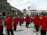 Religious Procession on Christmas Day, Cuzco, Peru, South America Lámina fotográfica por Jane Sweeney