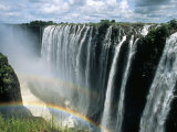 Waterfalls and Rainbows, Victoria Falls, Unesco World Heritage Site, Zambia, Africa Fotografisk tryk af D H Webster