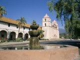 Old Mission, Santa Barbara, California, USA Photographie par Ken Wilson