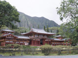 Byodo-In Temple, Buddhist Shrine on Windward Coast, Oahu, Hawaiian Islands Photographic Print by Alison Wright