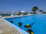 Divers Practising in Pool at Royal Diving Center, Aqaba, Jordan, Middle East Photographic Print by Alison Wright