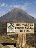 The Volcano of Pico De Fogo in the Background, Fogo (Fire), Cape Verde Islands, Africa Fotografisk tryk af  R H Productions