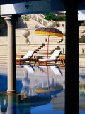 Poolside at Amarvilas Hotel, Agra, Uttar Pradesh, India Fotografisk tryk af Michael Gebicki
