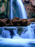 Havasu Falls, Havasupai Indian Reservation, Grand Canyon National Park, Arizona Fotografiskt tryck av Mark Newman