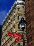 Street Sign at Place d'Armes, Montreal, Quebec, Canada Fotografie-Druck von Glenn Van Der Knijff