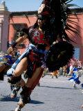 Costumed Dancer, Aztec Festival, Cristo de la Conquista, San Miguel de Allende, Guanajuato, Mexico Fotografisk tryk af Margie Politzer