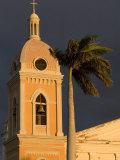 Belltower of Cathedral at Parque Colon, Granada, Nicaragua Fotografisk tryk af Margie Politzer