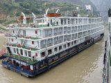 Victoria Cruises, Yangtze River, Near Wushan Photographic Print by Holger Leue