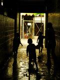Soccer in Corridor of Mercado San Miguel, San Salvador, el Salvador Fotografisk tryk af Anthony Plummer