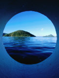 Islands Seem from Star Clipper Porthole, Tortola Lámina fotográfica por Holger Leue