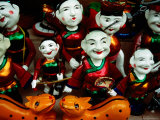 Water Puppets for Sale in Street, Hanoi, Vietnam Lmina fotogrfica por Anthony Plummer
