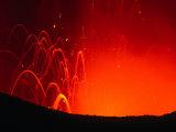 Yasur Volcano Lava Explosion, Tanna Island, Tafea, Vanuatu Fotografie-Druck von Peter Hendrie