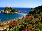 Populated Island Coastline, Isole Bella, Sicily, Italy Fotografisk tryk af John Elk III