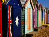 Brightly-Painted Beach Huts, Brighton, Melbourne, Victoria, Australia Photographie par Daniel Boag