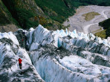 Walkers on Franz Josef Glacier, Franz Josef Glacier, New Zealand Fotodruck von Glenn Van Der Knijff