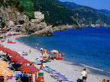 Beach on Ligurian Sea in Cinque Terre Region, Monterosso, Liguria, Italy Fotografie-Druck von Glenn Van Der Knijff