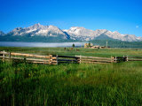 Arrow a Ranch and Sawtooth Mountains, Stanley, Idaho Fotoprint van Holger Leue