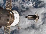 Space Shuttle Atlantis After It Undocked from the International Space Station on June 19, 2007 Fotografisk trykk av Stocktrek Images,
