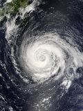 Typhoon Fitow Approaching Japan Impressão fotográfica por Stocktrek Images