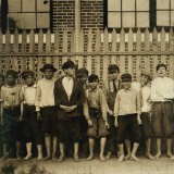 Night Work! Group of Boys Working in Massey Hosiery Mills, Columbus, Georgia, c.1913 Plakater af Lewis Wickes Hine
