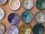 Moroccan Plates, Ensemble Artisanat, Ouarzazate, South of the High Atlas, Morocco Fotodruck von Walter Bibikow