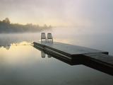 Chairs on Dock, Algonquin Provincial Park, Ontario, Canada Fotografie-Druck von Nancy Rotenberg