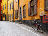 Street Scene in Gamla Stan Section with Bicycle and Mailbox, Stockholm, Sweden Fotografisk tryk af Nancy & Steve Ross