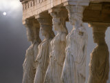 Sculptures of the Caryatid Maidens Support the Pediment of the Erecthion Temple Fotografisk tryk af Nancy Noble Gardner