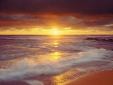 Playa Sunset Cliffs en el océano Pacífico al atardecer, San Diego, California, EE UU Lámina fotográfica por Christopher Talbot Frank