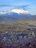 Aerial View of the Capital with Snow-Covered Mountain in Background, La Paz, Bolivia Fotografiskt tryck av Jim Zuckerman