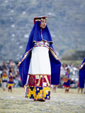 Woman in Costume for Inti Raimi Festival of the Incas, Cusco, Peru Fotografie-Druck von Jim Zuckerman