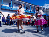 Girl Dancers in Costumes and Masks During Festival Parade, Chinceros, Peru Lmina fotogrfica por Jim Zuckerman