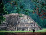 Royal Tomb, Maya, Copan, Honduras Fotografisk tryk af Kenneth Garrett