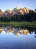 Grand Teton Mountains Reflecting in the Snake River at Sunrise, Grand Teton National Park, Wyoming Photographie par Christopher Talbot Frank
