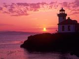 Lime Kiln Lighthouse, Entrance to Haro Strait, San Juan Island, Washington, USA Photographie par Jamie & Judy Wild